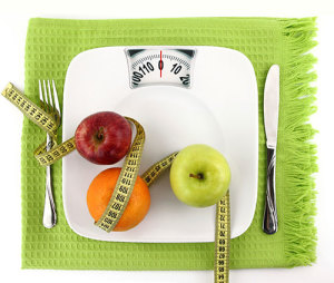 Diet-scale-nutrition-apple